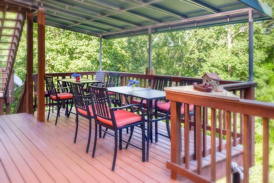 Bent Creek Lodge porch